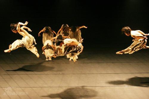 资料图片:雷动天下现代舞团-朝圣路