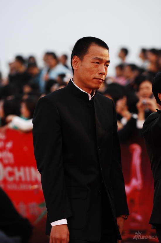 图文:金鸡百花电影节红毯--《夜袭》主角王挺