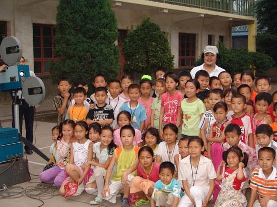 郑克洪《我的教师生涯》中西部农村公益放映