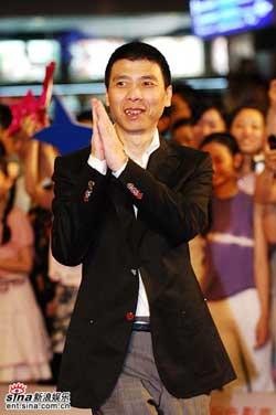 冯小刚称收入不如三线演员责青年导演纵容盗版