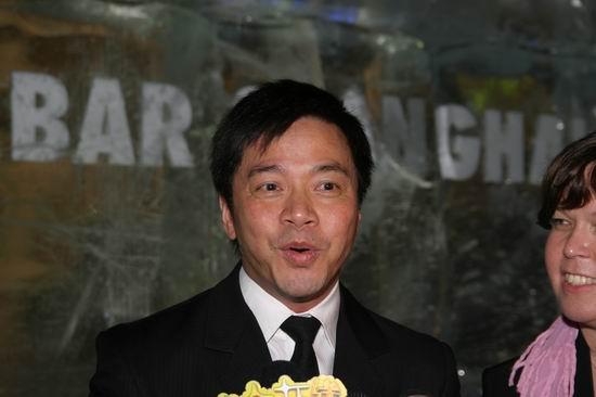 唐季礼携林心如亮相上海透露将拍电影《日记》