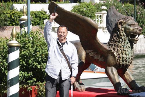 威尼斯电影节第八天杜琪峰亮相满带自信(图)