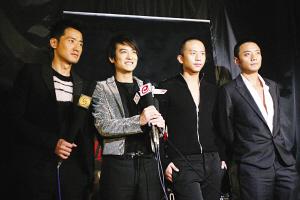 冯小刚:身体最重要不想像傅彪那样说没就没了