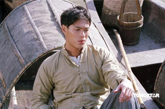 组图:杨�v宁挑战《天堂口》穷小子闯上海黑帮