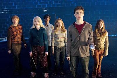《哈利5》力挫《变形金刚》夺北美票房冠军(图)