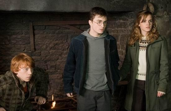 《哈利波特5》接力《变形金刚》11日全线上映