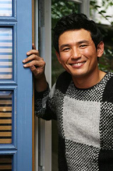 黄正民友情客串《第11个妈妈》为金慧秀演配角