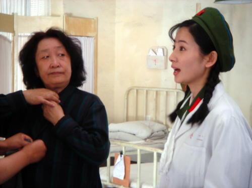 《我的左手》全国公映徐筠感叹彭玉功力深厚
