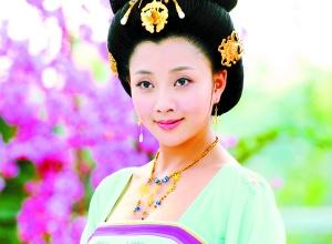 《三国演义》的秘史,湖南卫视将尤小刚执导的电视剧《杨贵妃风头》2015国产电视剧排行榜图片