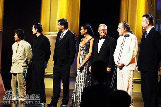 图文:上海电影节开幕仪式--电影节评委会成员
