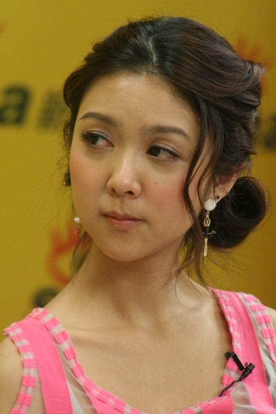 图文:《女人本色》主创聊天-薛凯琪表情可爱
