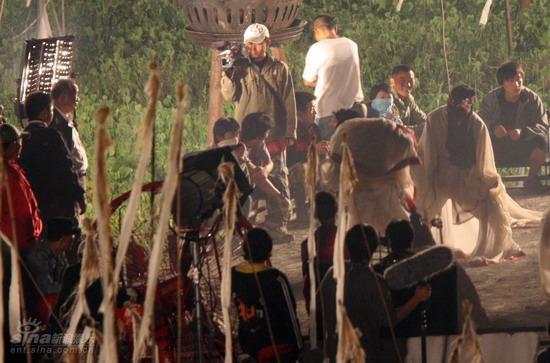 图文:夜探吴宇森拍《赤壁》--拍摄夜戏