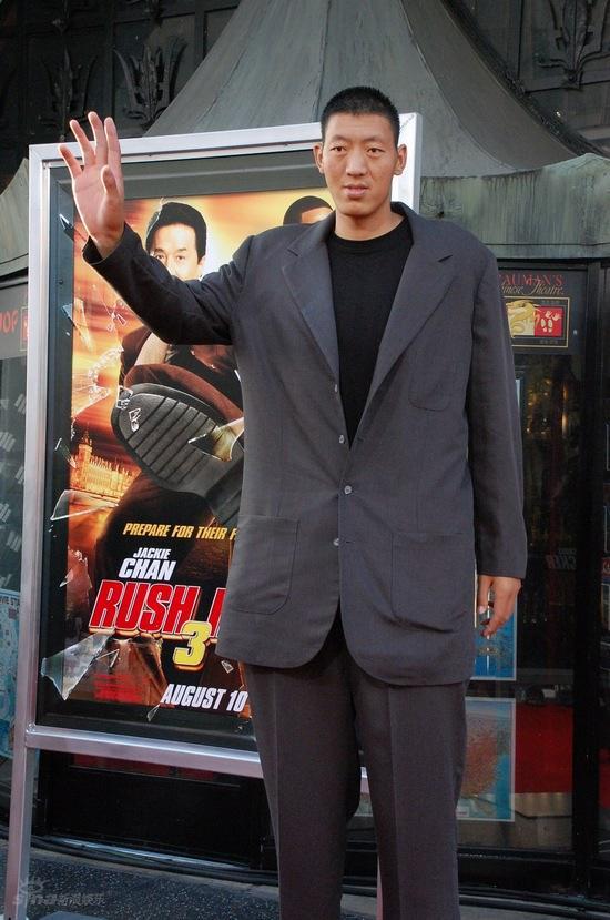 """图文:《尖峰时刻3》好莱坞首映--""""巨人""""孙明明"""
