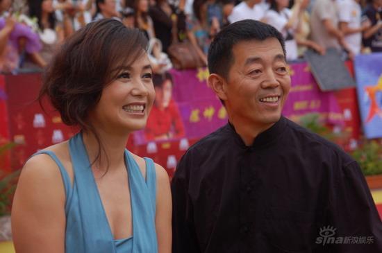 图文:第12届华表奖红毯--顾长卫蒋雯丽夫妇