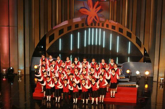 图文:金紫荆颁奖现场--合唱团歌声悠扬