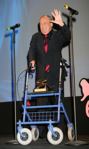 图文:贝纳多-贝托鲁奇获75周年特别金狮大奖