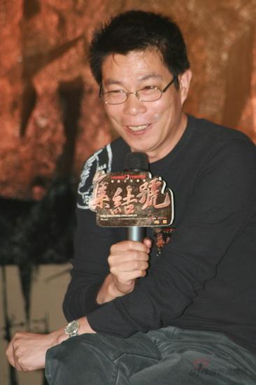 图文:《集结号》官网启动--王中军笑容满面
