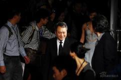 组图:《色,戒》上海首映汤唯性感亮相秀美胸