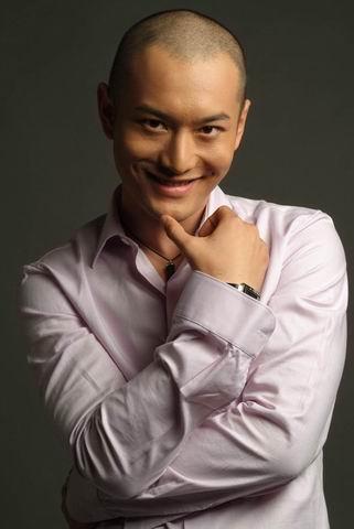BQ2007年度内地最受欢迎男明星提名-黄晓明