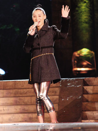 张柏芝产后登台献唱与谢霆锋四首歌赚了100万