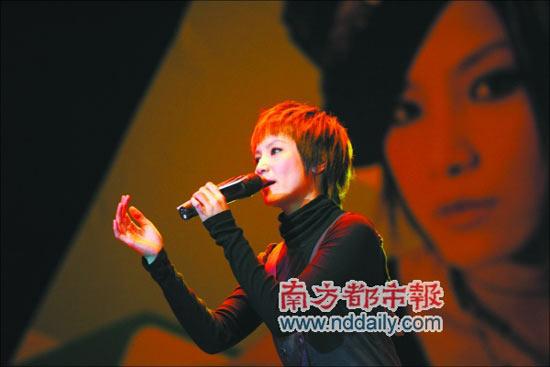 10月20日郑秀文五月天开唱东京电影节精彩开幕