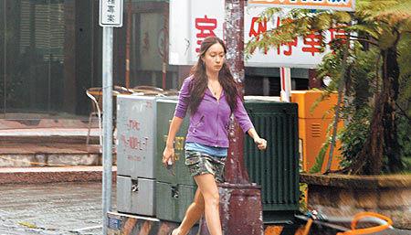 张震新女友来头大身材火辣曾是香港模特(图)