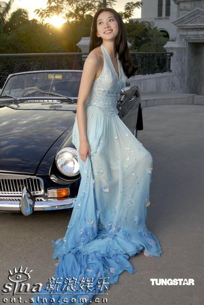 组图:林志玲穿湖水蓝长裙变身现代维纳斯女神