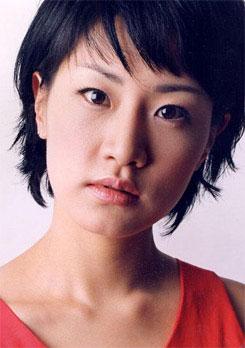 韩国女星申恩庆离婚只欠签字誓取儿子抚养权