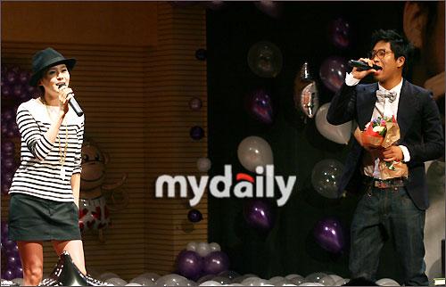 组图:MC梦举行庆生派对IVY和ERU等到场庆贺