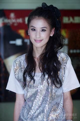 黄圣依欢乐中国行劲歌热舞推起全场最高潮(图)