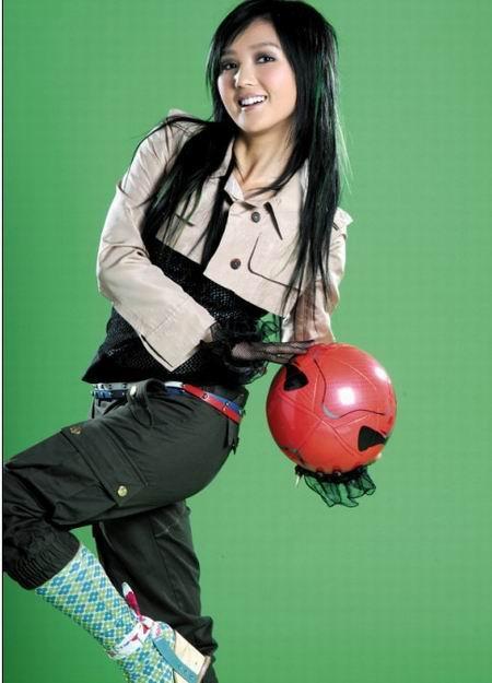 华语娱乐圈女星出书全攻略-少女偶像青春写真