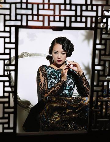 组图:章子怡再登《名利场》演绎东方妖娆女子