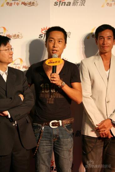 图文:《汇通天下》主演马浚伟接受媒体采访