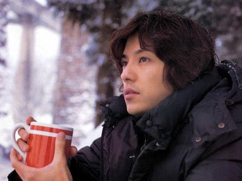 图文:藤木直人写真--温馨的咖啡
