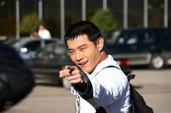 资料:电视剧《超级男女》人物介绍--莫文虎