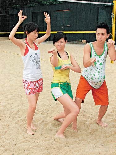 《法证先锋2》沙滩拍摄三主演泳装上阵秀身材