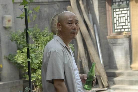 《笑着活下去》导演特别为票友李成儒加戏(图)
