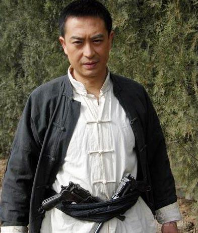 张嘉译携 双枪李向阳 今晚帅气登陆广州图