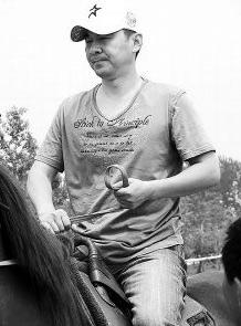 陈建斌有望加盟《三国演义》总导演陪同练马术