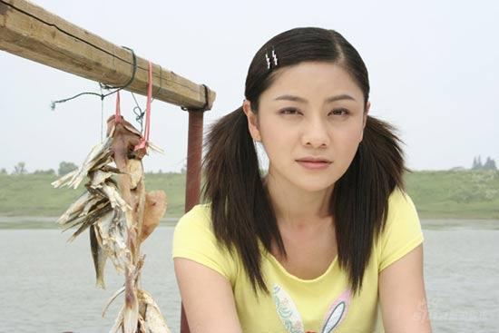 《后来》南京杀青胡可清纯可爱人气高涨(图)