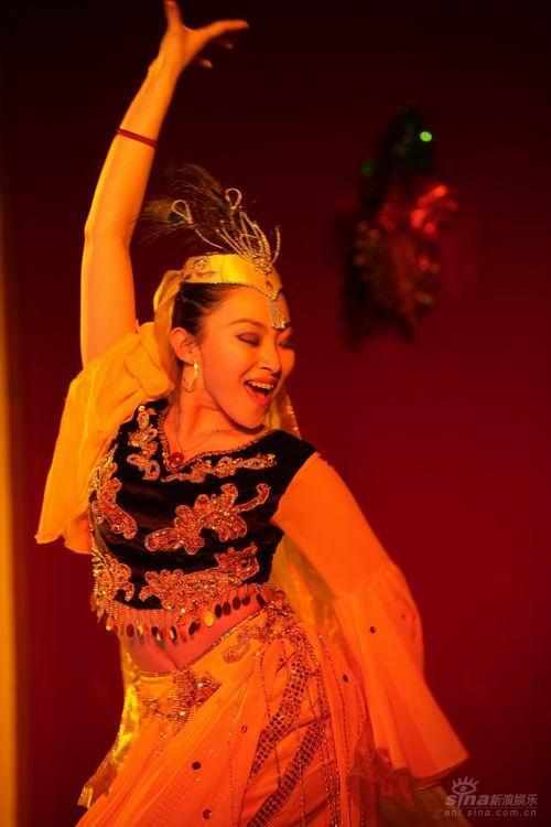 资料:《我要跳舞》路莎莎个人简介