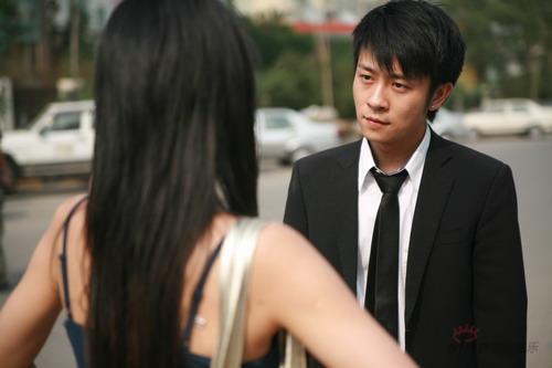 演绎了电视剧《荣归》中个性鲜明的少爷李明捷,新生代年轻演员林申图片