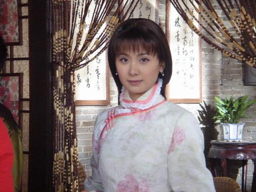 《换子成龙》重庆受欢迎程莉莎展哭功楚楚动人