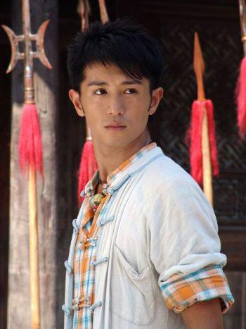 这部电视剧说的是大内御医李鹤龄因师弟杨傲嫁祸被判为死囚,幸得逃脱.