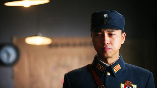 战旗电视剧mp4_新浪娱乐讯 电视剧《战旗》将接棒《向着炮火前进》11月中旬在江苏