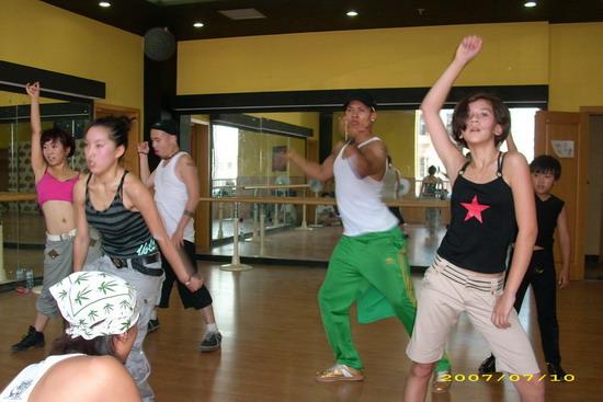 组图:《我要跳舞》训练营酷帅嘻哈性感爵士