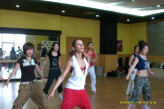 《我要跳舞》四十强分五组挑战全新舞种(组图)