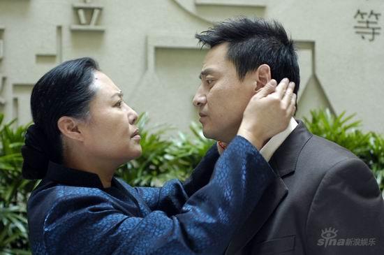 《母亲》上海热播斯琴高娃展现表演功力(组图)