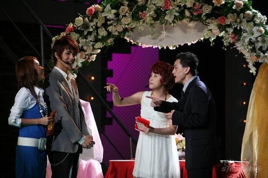 图文:2007我型我秀总决选--现场上演婚礼秀