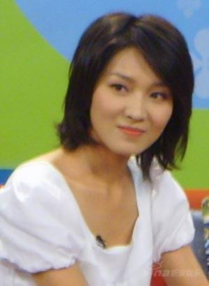 宋春丽陈蓉携《红梅花开》作客《明星》(组图)